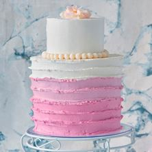 Picture of Striped wedding cake raw