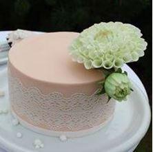 Obrázek Malý dort s květinami