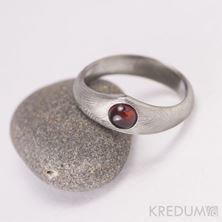 Obrázek Zásnubní prsten Královna a kabošon