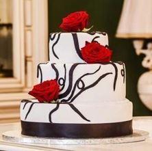 Obrázek Svatební dort s živými růžemi